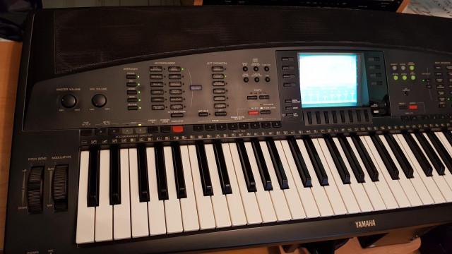 Yamaha PSR 7000