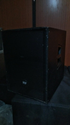 Subwoofer activo RCF ART 905-AS