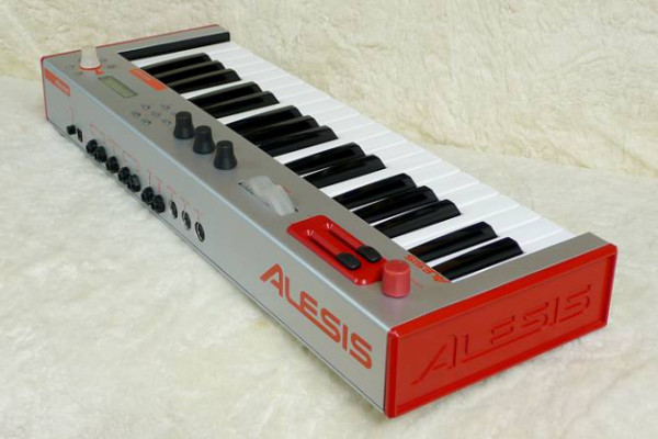 Alesis Micron Red
