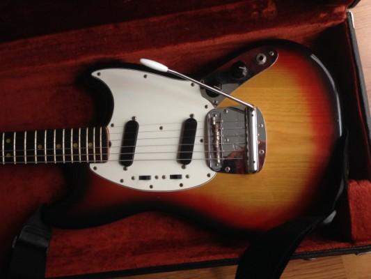 Fender Mustang vintage 70s USA guitarra eléctrica sunburst