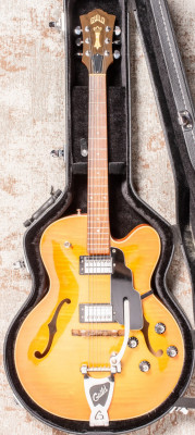Guild X-160-B Savoy Bigsby. Made in USA (1991).