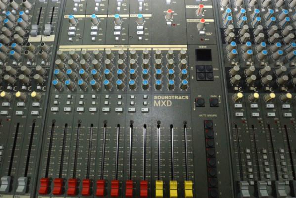 Mesa mezclas analógica 40 canales