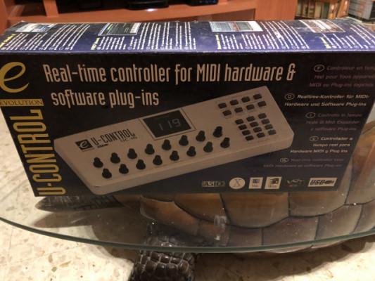 CONTROLADOR MIDI U-CONTROL EVOLUTION