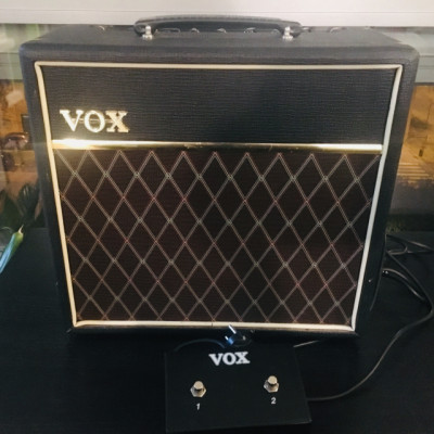 VOX PATHFINDER 15R + FOOTSWITCH VFS2A
