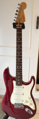 Fender stratocaster standard USA del 96 x SG CHERRY