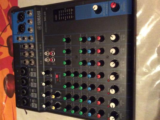 Meza de Mesclas Yamaha 12 canales