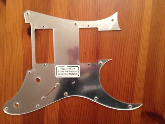 Golpeador de espejo (Ibanez RG)