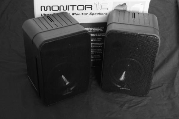 Monitores Behringer 1C Pasivos