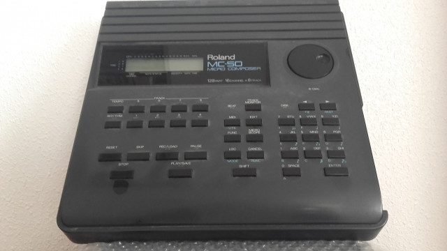 VENDO SEQUENCIADOR  ROLAND  MC-50