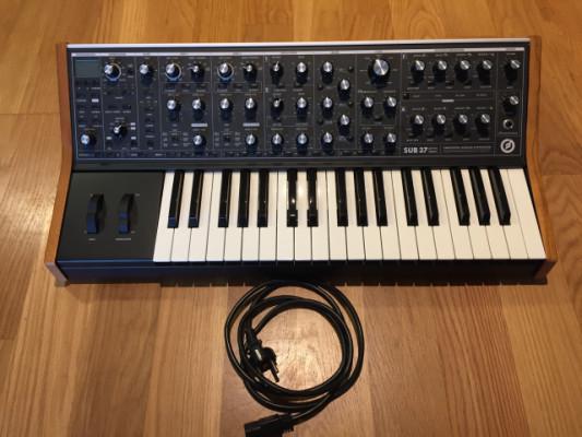 Moog Sub37