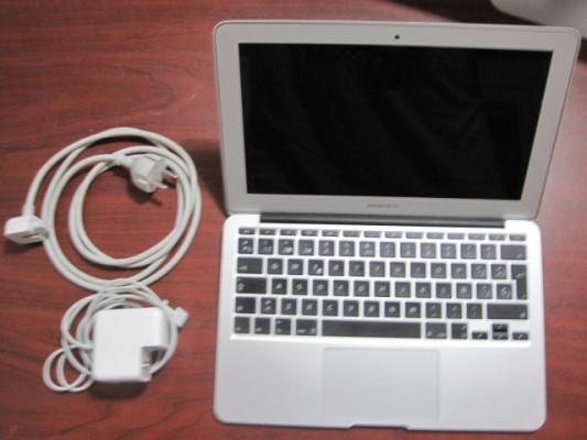 """Macbook Air 11"""" 2014 8Gb RAM"""