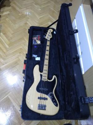 Fender Jazz American Deluxe