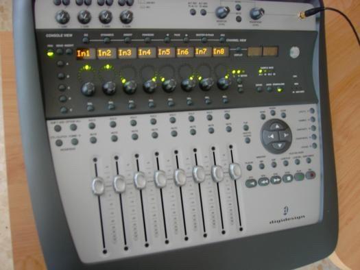 DIGI 002 console