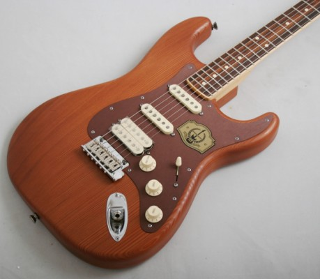 Fender Stratocaster Reclaimed Redwood Edición Limitada USA