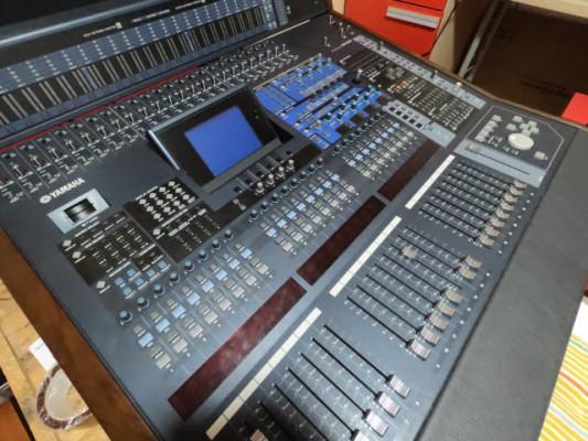 Yamaha DM2000 VCM con 2 x MY16AT más Presonus Lightpipe