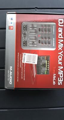 Controlador m-audio x-session pro