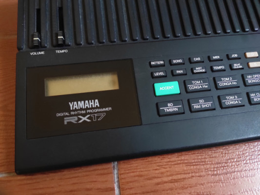Caja de Ritmos Yamaha RX17