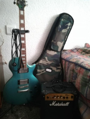 Pack guitarra Gould y amplificador.