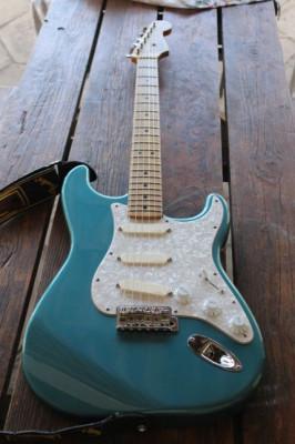 Fender Stratocaster Deluxe Series (Pickups EMG DG20)