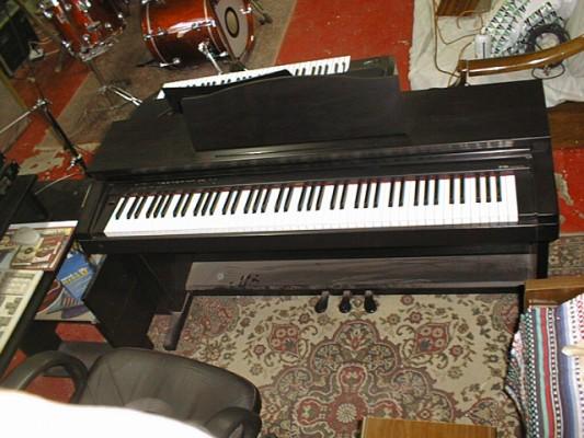 Piano digital 88 contrapesadas ROLAND HP 1800e