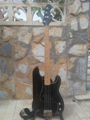 Samick Precision Bass