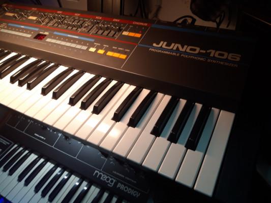 Roland Juno 106 + Secuenciador