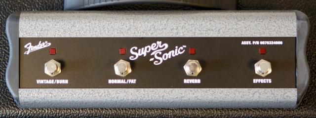 PEDAL/SWITCHER FENDER SUPER-SONIC 22