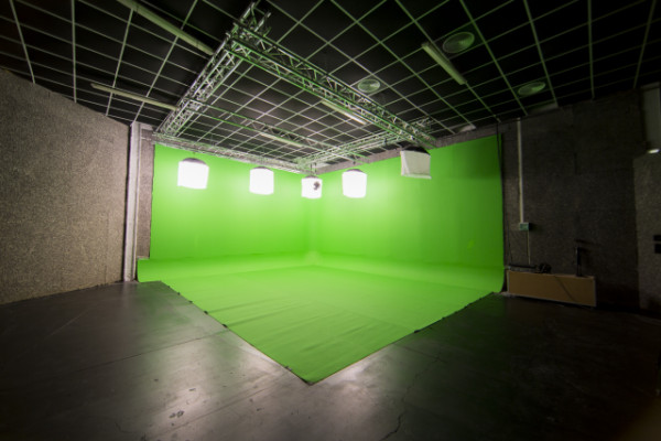 Productora audiovisual traspasa nave de 400 m2 con Plató Croma