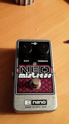 Vendo flanger Electro Harmonix Neo Mistress