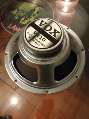 Altavoz Vox VX 10. Fabricado por Celestion. 10 pulgadas. 16 Ohm