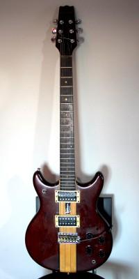 Guitarra eléctrica Ventury años 70 - Venta o Cambio