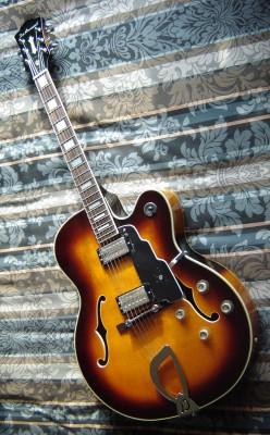 ReservadaDEARMOND X 155  JAZZ (Made in Korea años 90, pre-Fender)