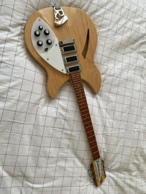 Guitarra Rickenbacker 340 Mapleglo de 2008