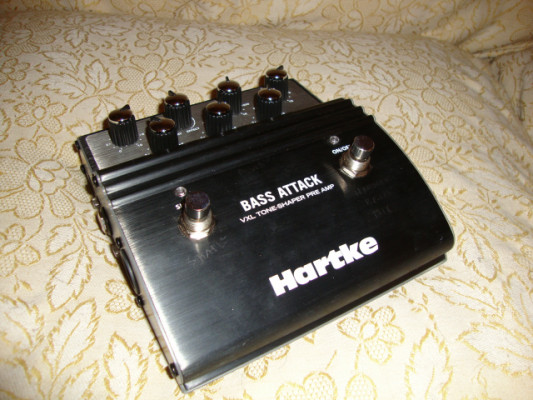 Hartke VXL Bass Attack Preamp And D.I. Atencion Bajistas