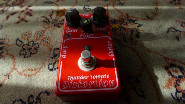 Thundertomate Distortion. Muy rojo.