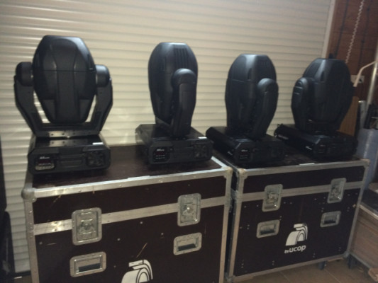 4 cabezas moviles