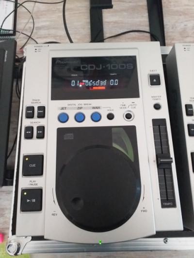 Pareja de Pioneer CDJ-100