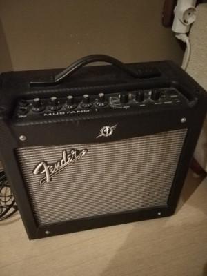 Cambio amplificador 20w Fender Mustang I v.2
