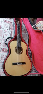 Fantástica Guitarra Alhambra 8fc de Ciprés!