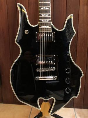 Guitarra MINARIK Diablo Xtreme