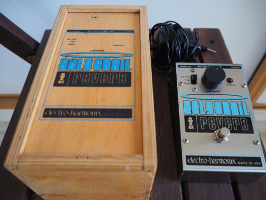 Electro Harmonix Holy Grail ( caja de madera )