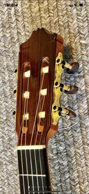 Guitarra Alhambra 5p en perfecto estado!