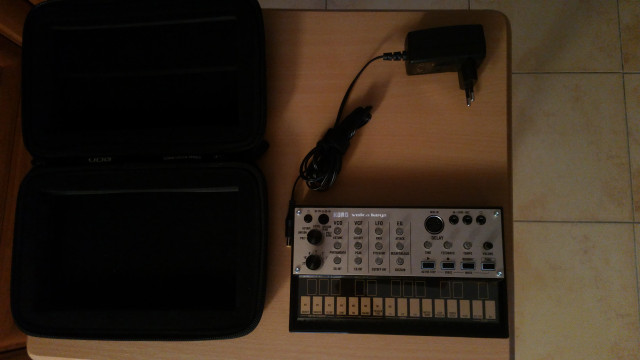 Volca Keys + Adaptador original + funda