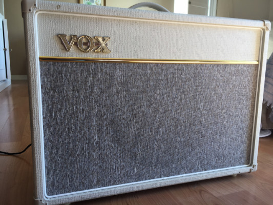 Vox AC15 C1 Limited Edition Cream
