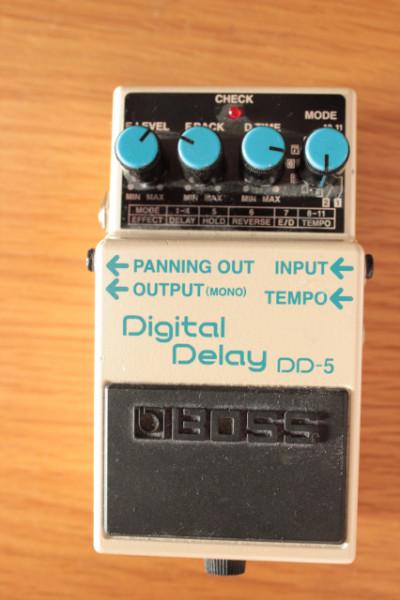 Pedal de Delay Boss DD-5