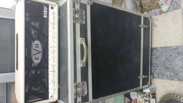 EVH 5150III 100W y Pantalla Mesa Roadking Stereo.