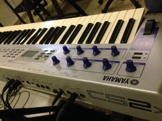 Yamaha CS2X Vintage Synth