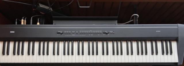 Piano de estudio o escenario SP-200