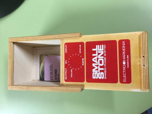 Small Stone EH4800 caja vacia