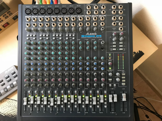Mixer Alesis Studio 24